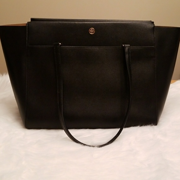 70691837e52 Authentic Tory Burch Parker Large Tote. M 5a9f54b16bf5a63f5be8acba